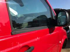 Молдинг стекла двери передней правой наружный Mercedes Vito W639